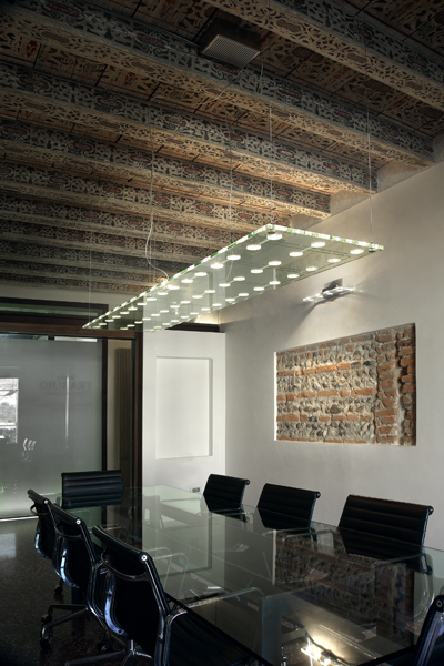 Conference Room Lighting Design: The Disapearing Act: Using Minimal Lighting