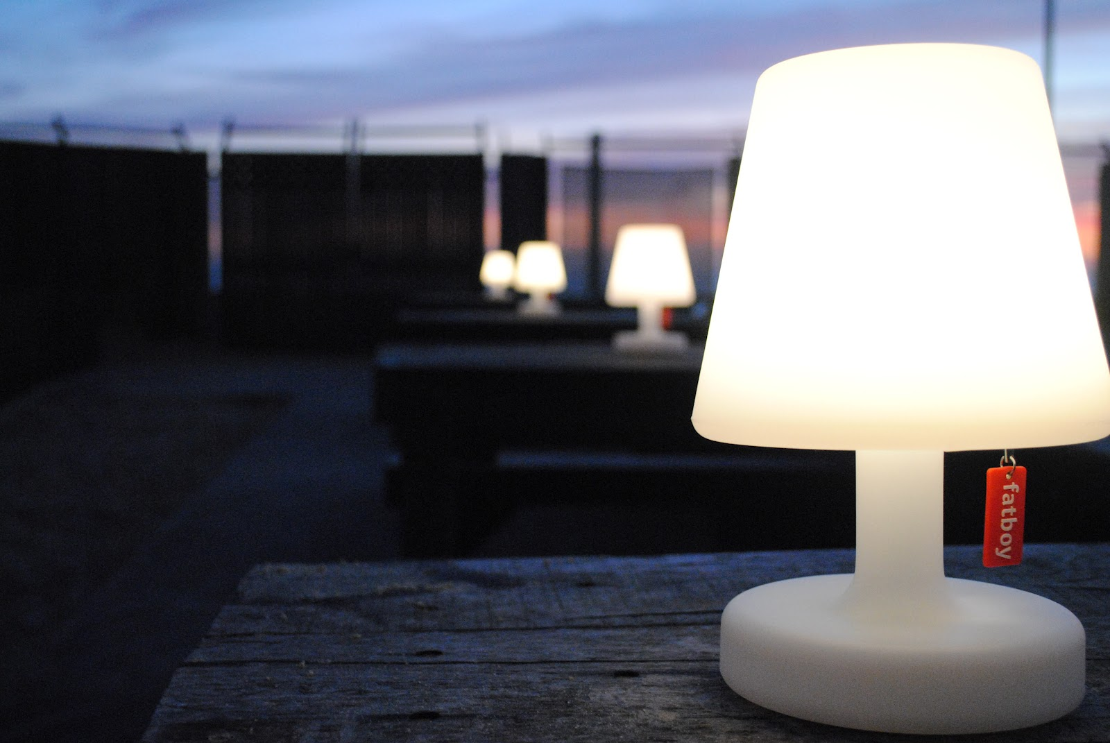 Featuring edison the petit for Lampes exterieur